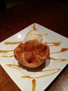 Sobremesa: Tortinha quente de maça SomosdoMundo