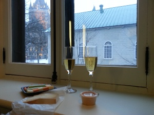 Vinho de Pera com o Chateau de Frontenac ao fundo SomosdoMundo